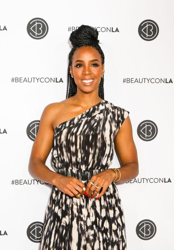 Kelly Rowland – Beautycon Festival in Los Angeles 08/13/2017