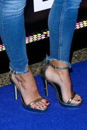 "Kendra Wilkinson – ""Sharknado 5: Global Swarming"" Premiere in Las Vegas 08/06/2017"