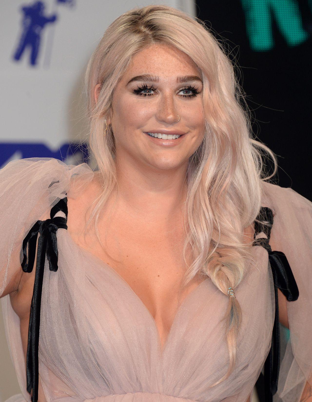 KESHA SEBERT at 2017 MTV Video Music Awards in Los Angeles