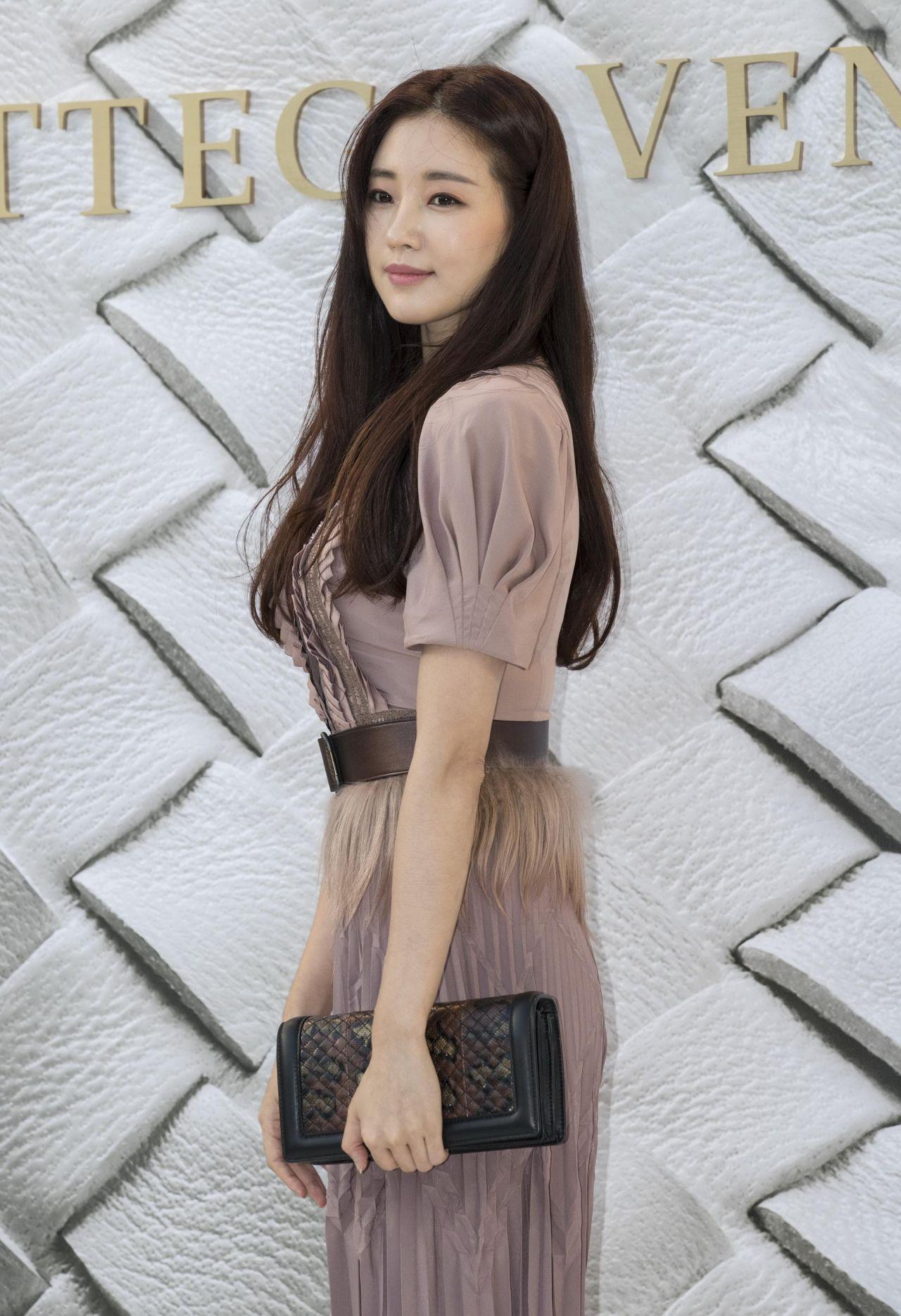 Sa-rang Kim nude 752