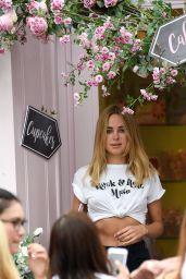Kimberley Garner at Peggy Porschen Cake Shop in London 08/23/2017