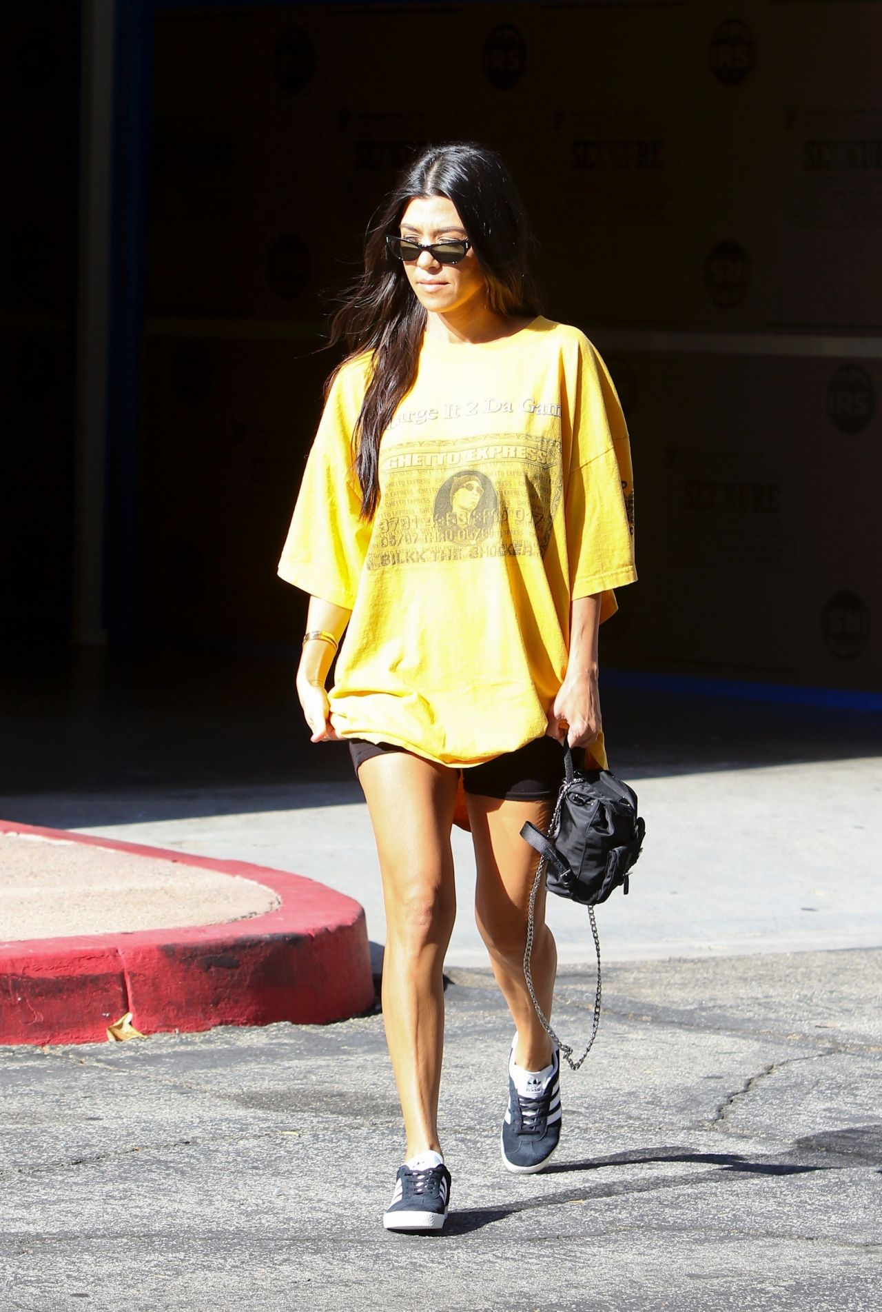 Kourtney Kardashian Street Style - Out in Los Angeles 08 ...