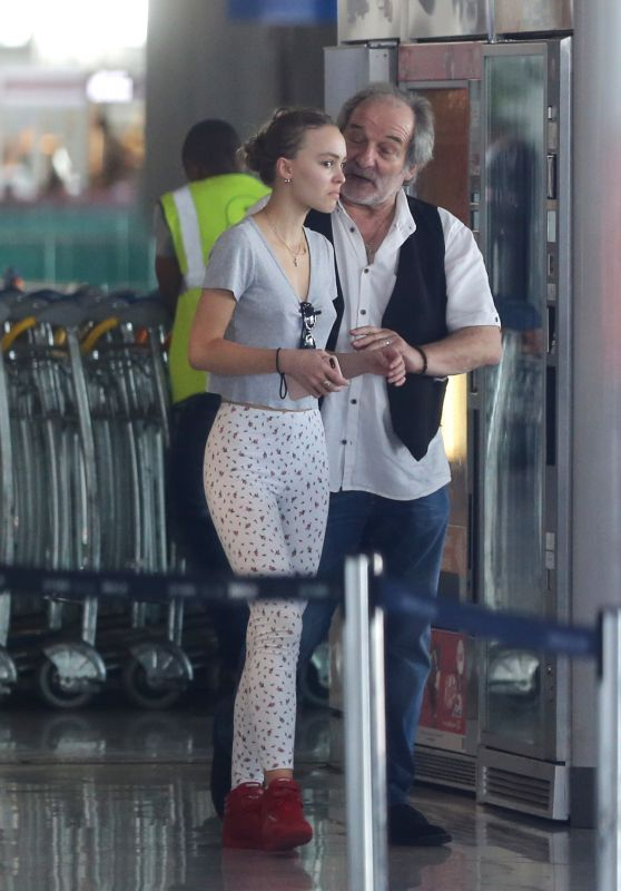 Lily-Rose Depp - Arriving at Charles de Gaulle Airport in Paris 08/27/2017