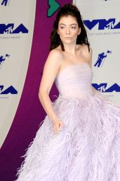 Lorde – MTV Video Music Awards in Los Angeles 08/27/2017