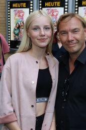 "Louise Sophie Arnold - ""Tigermilch"" Premiere in Berlin 08/15/2017"