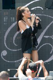 Madison Beer - Performing at the Y100 Mack-a-Pooloza Party in Miami Beach 08/19/2017