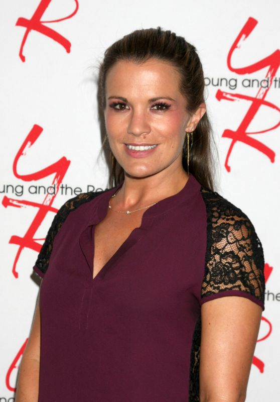 Melissa Claire Egan – Young and Restless Fan Event 2017 in Burbank