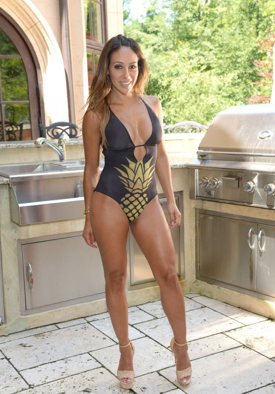 Melissa Gorga Showing off Her Bikini Body - Montville, NJ 08/03/2017