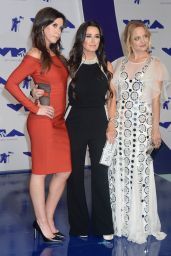 Mena Suvari – MTV Video Music Awards in Los Angeles 08/27/2017