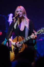 Miranda Lambert - Performs Live at Hammersmith Apollo in London, UK 08/24/2017