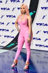 Nicki Minaj – MTV Video Music Awards in Los Angeles 08/27/2017
