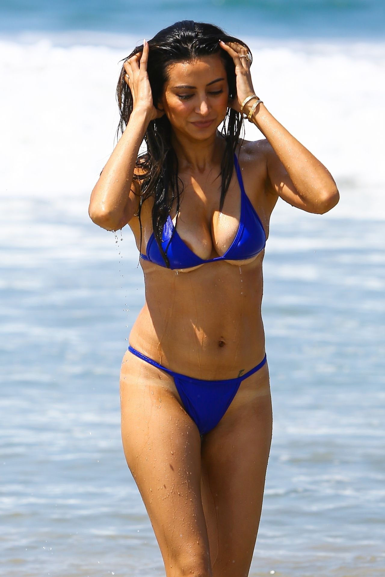 Noureen Dewulf In A Blue Bikini At The Beach In Santa