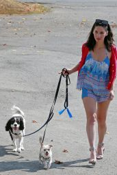 Olivia Munn - Walks Her Dogs in Burnaby, Canada 08/12/2017