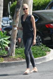 Paige Butcher in Tight Jeans - Out for a Coffee in Beverly Hills 08/21/2017