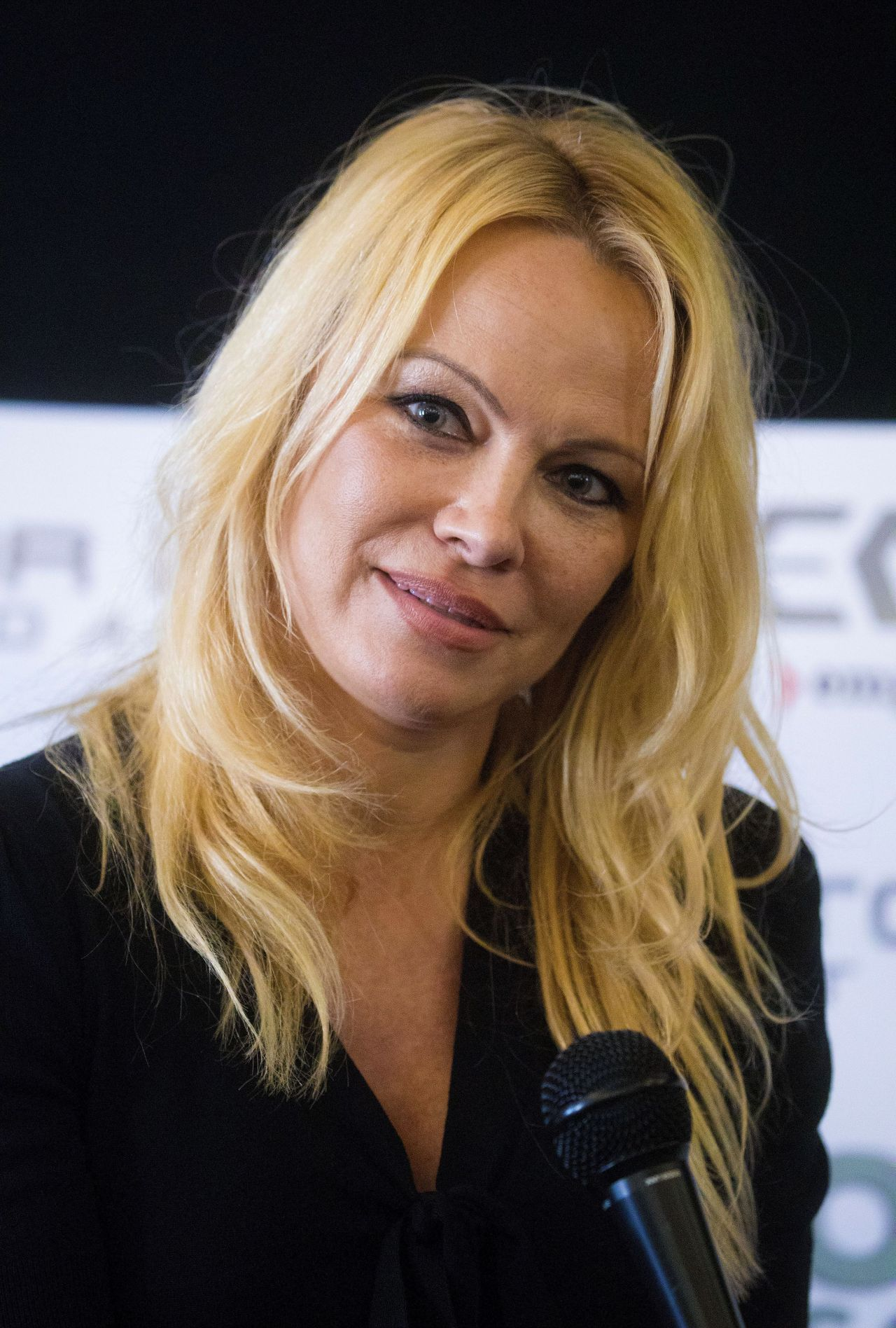 Smoking pamela anderson in porn showes can