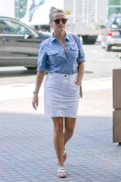 Reese Witherspoon Office Chic Outfit - Los Angeles 08/29/2017