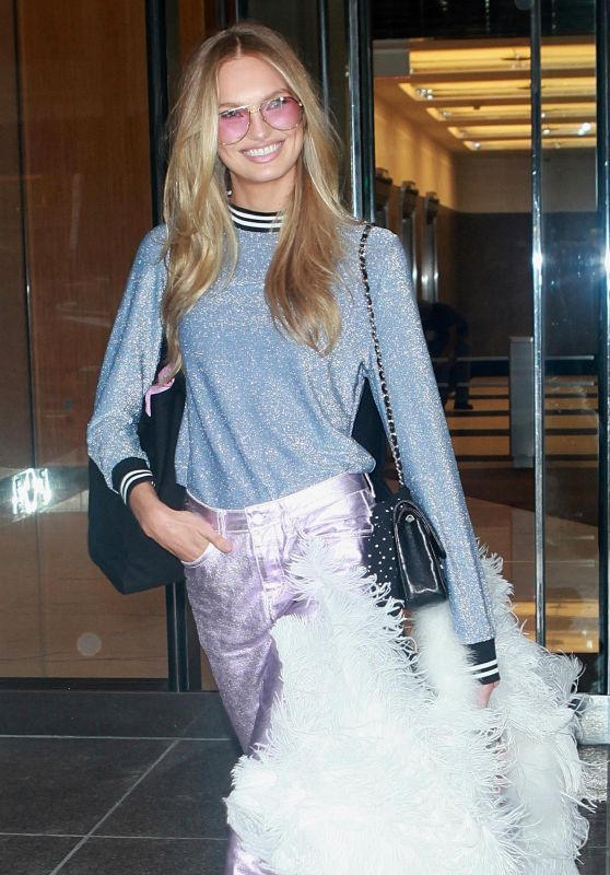 Romee Strijd - Arriving at the Victoria