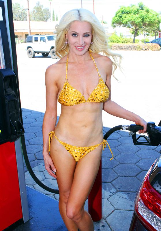 Sara Barrett in a Bikini at a Gas Station in Malibu 08/12/2017