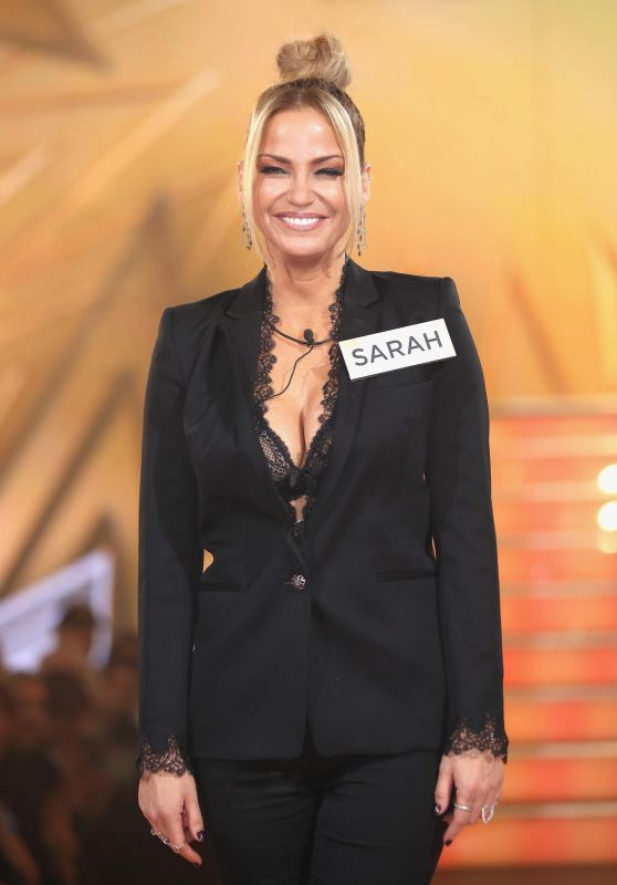 Sarah Harding – Celebrity Big Brother Launch Night in England 08/01/2017