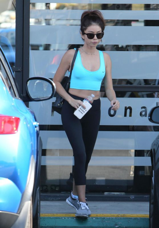Sarah Hyland in Tights - Leaving the Gym in Los Angeles 08/30/2017