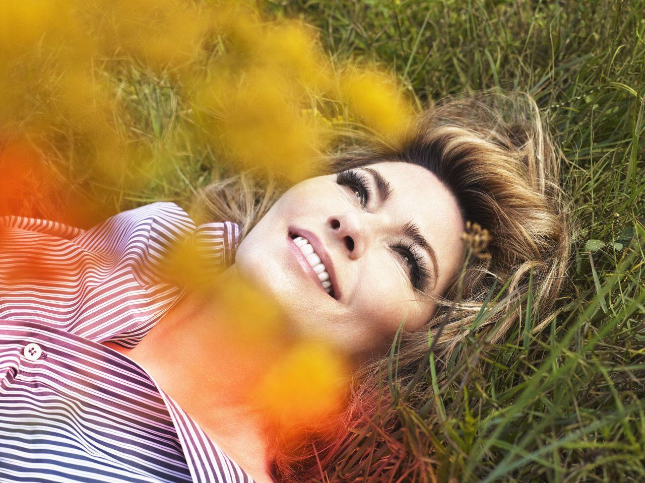 http://celebmafia.com/wp-content/uploads/2017/08/shania-twain-promotion-for-her-new-cd-now-2017-1.jpg