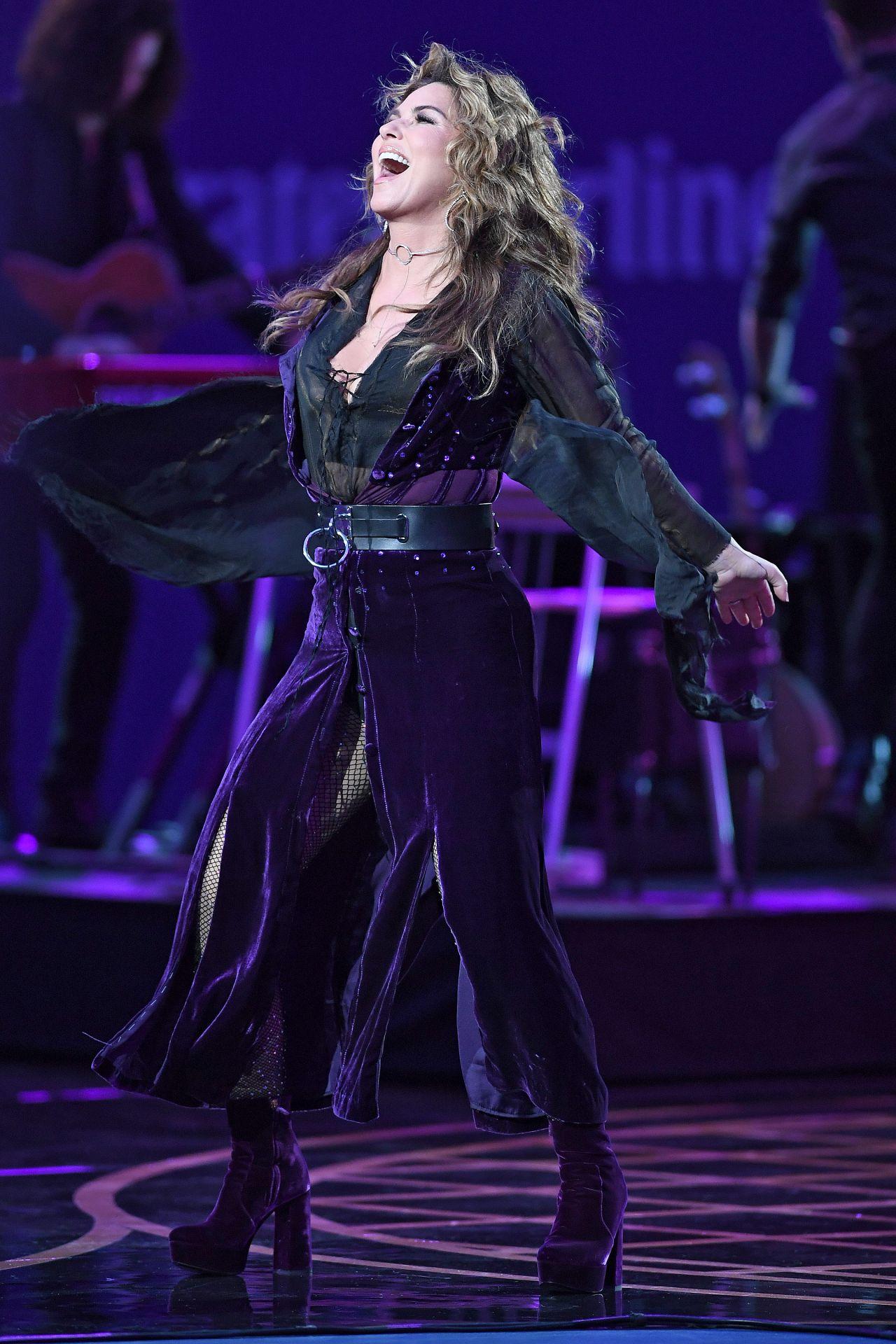 Shania Twain Usta Foundation Opening Night Gala In Ny 08