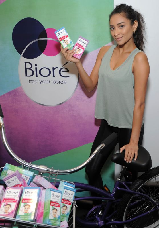 Shay Mitchell - Biore Limited-Edition Tie-Dye Pore Strips Launch in New York 08/17/2017