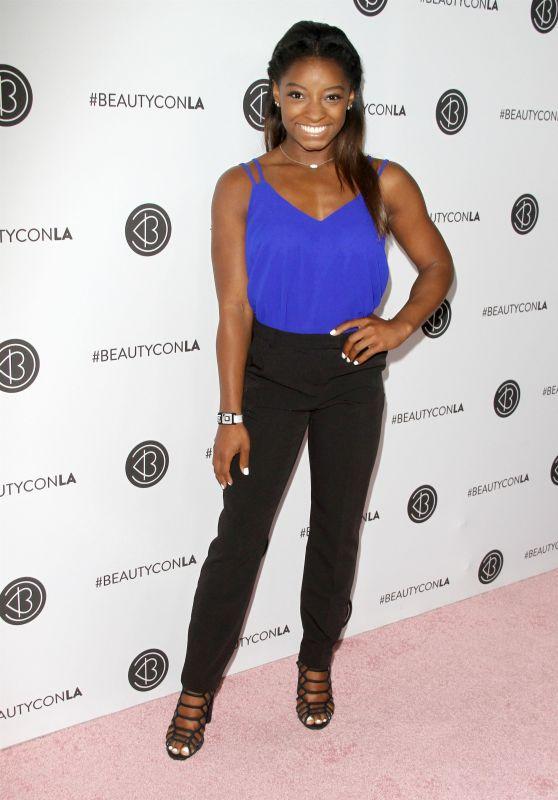 Simone Biles – Beautycon Festival in Los Angeles 08/13/2017