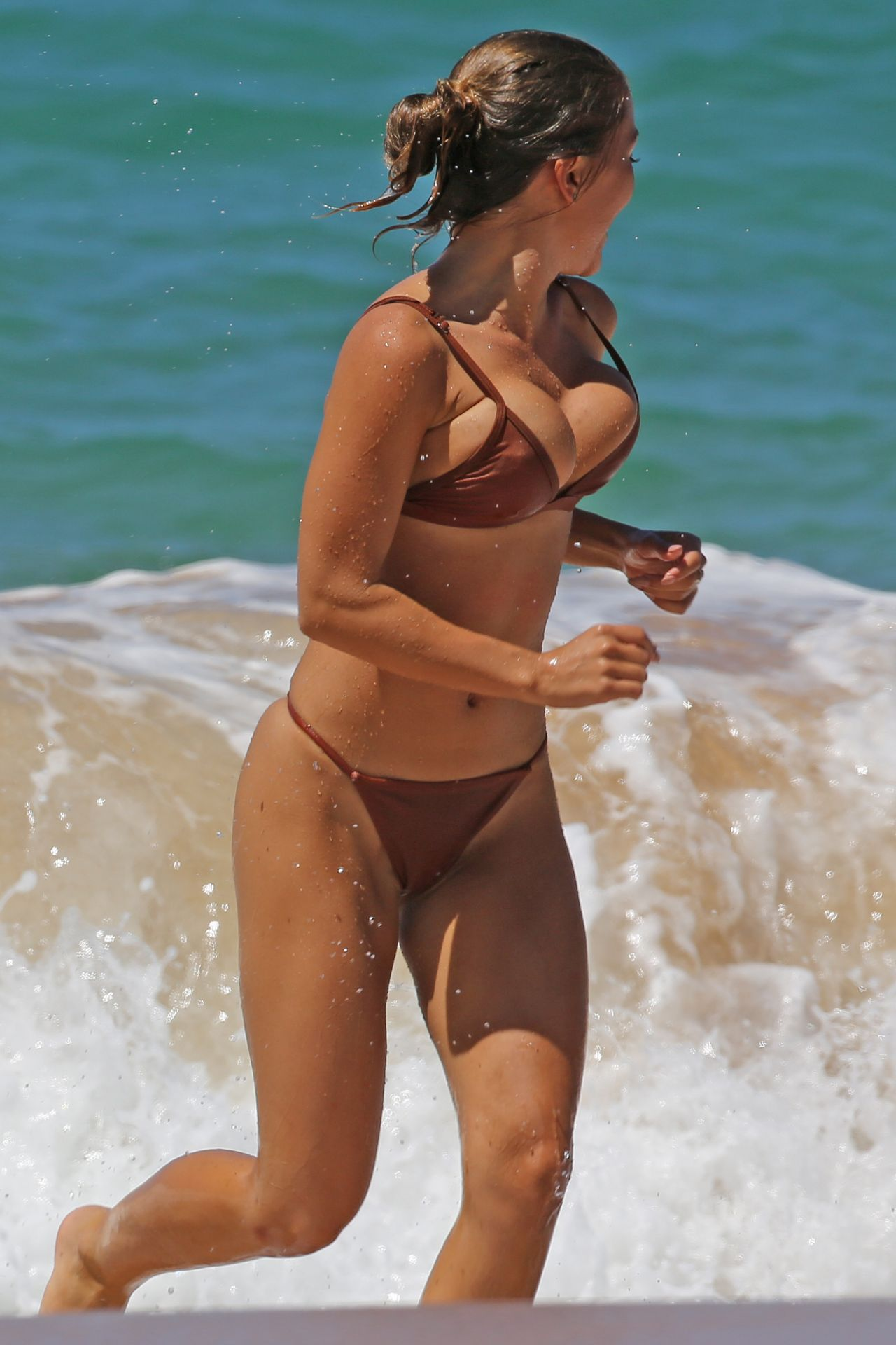 Cameron diaz bikini photos