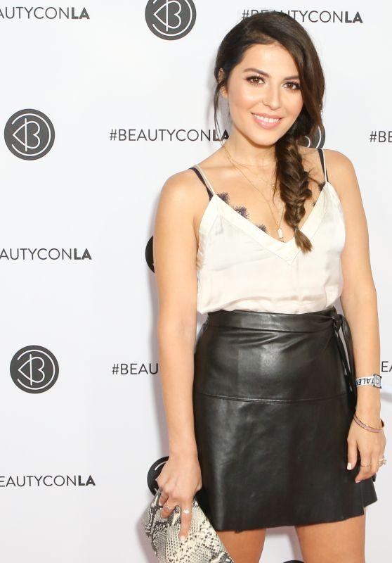 Sona Gasparian – Beautycon Festival in Los Angeles 08/13/2017