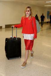 Suki Waterhouse - Arriving at LAX in LA 08/14/2017