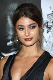 """Taylor Hill – """"Death Note"""" Premiere in New York City 08/17/2017"""