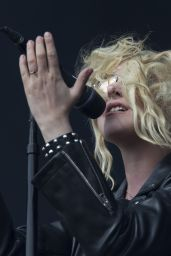 Taylor Momsen - Performs at Leeds Festival 08/27/2017