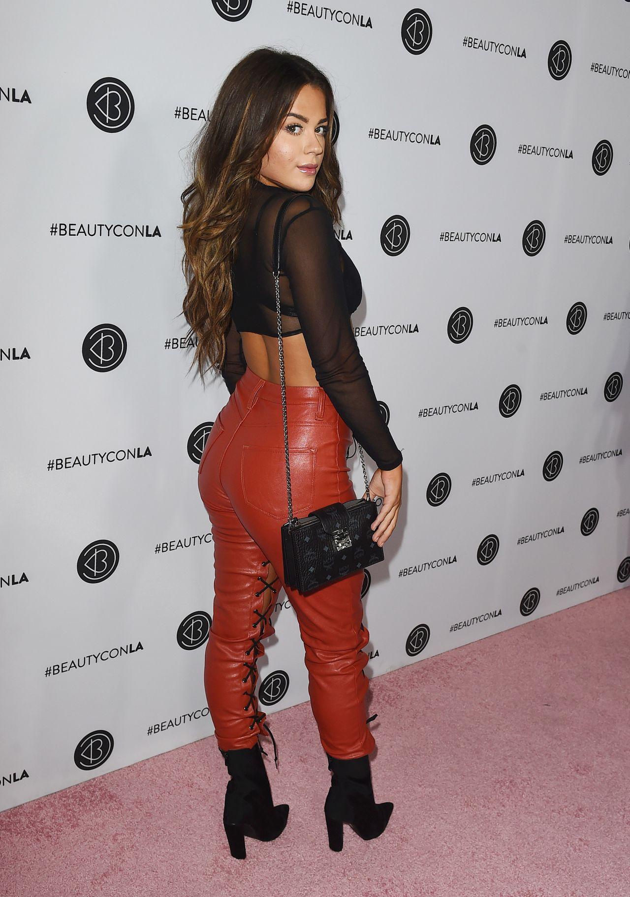 Tessa Brooks - Beautycon Festival in Los Angeles 08/12 ...