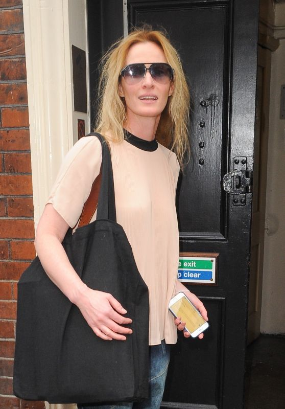 Uma Thurman - Outside the Apollo Theatre in Soho, London 08/11/2017