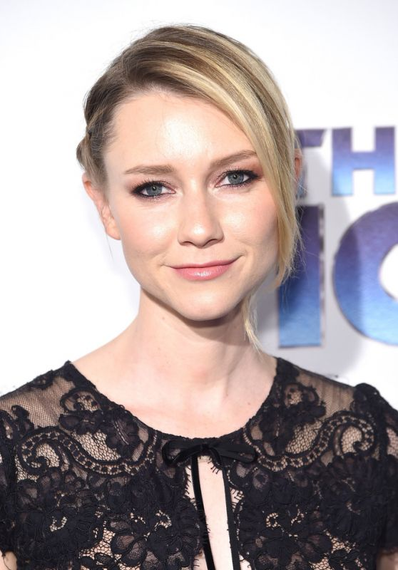 """Valorie Curry – """"The Tick"""" Premiere in NYC 08/16/2017"""