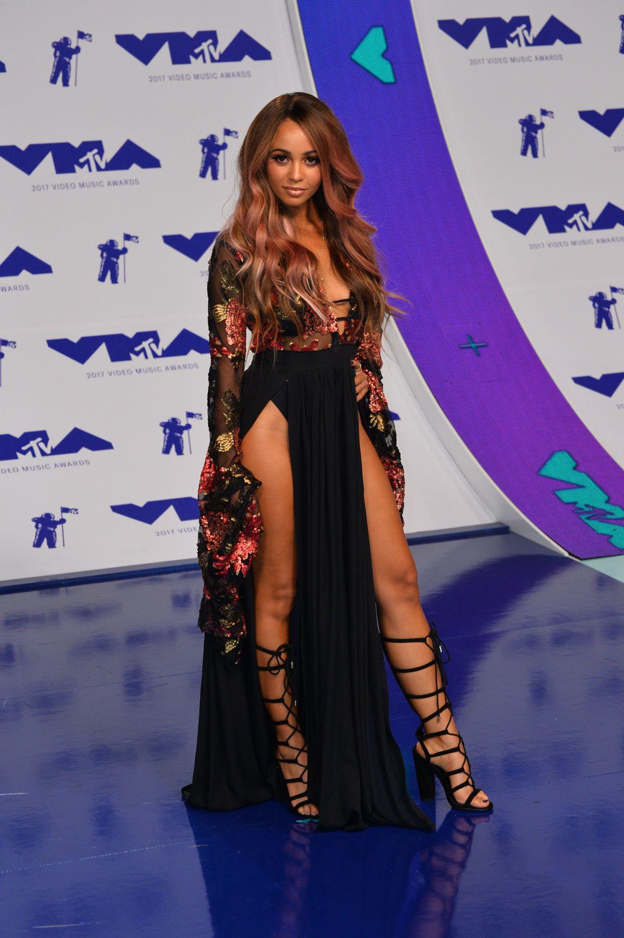 Vanessa Morgan Mtv Video Music Awards In Los Angeles 08