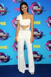 Victoria Justice – Teen Choice Awards in Los Angeles 08/13/2017