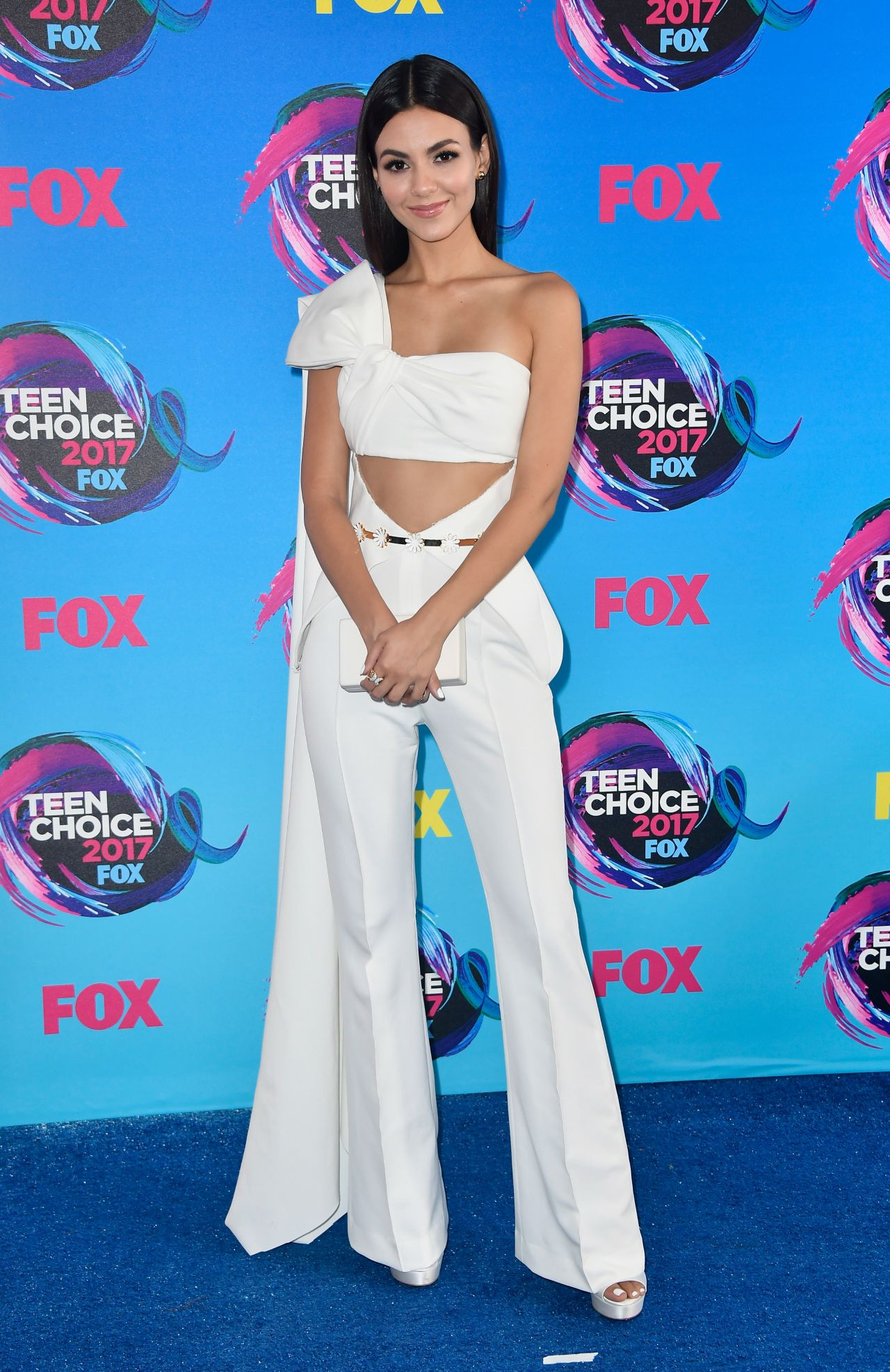 Victoria Justice Teen Choice Awards In Los Angeles 08 13