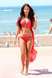 """Yazmin Oukhellou - """"The Only Way is Essex"""" Cast in Marbella 08/12/2017"""