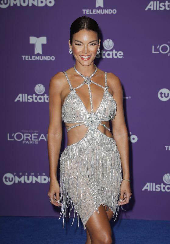 "Zuleyka Rivera - ""Premios Tu Mundo"" in Miami 08/24/2017"