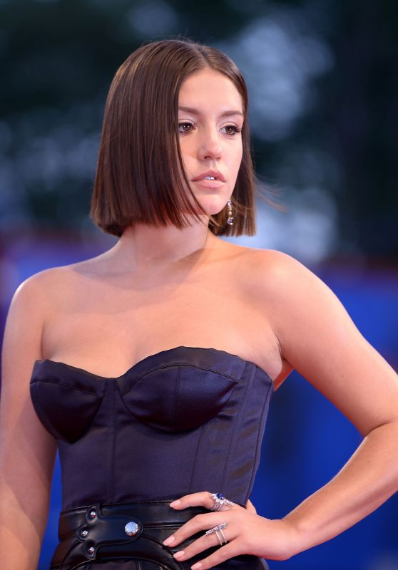 """Adele Exarchopoulos - """"Racer And The Jailbird (Le Fidele)"""" Screening in Venice, Italy 09/08/2017"""