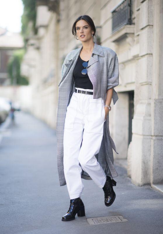 Alessandra Ambrosio is Looking All Stylish - Milan, Italy 09/20/2017