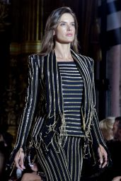 Alessandra Ambrosio – Walks Balmain Fashion Show in Paris 09/28/2017