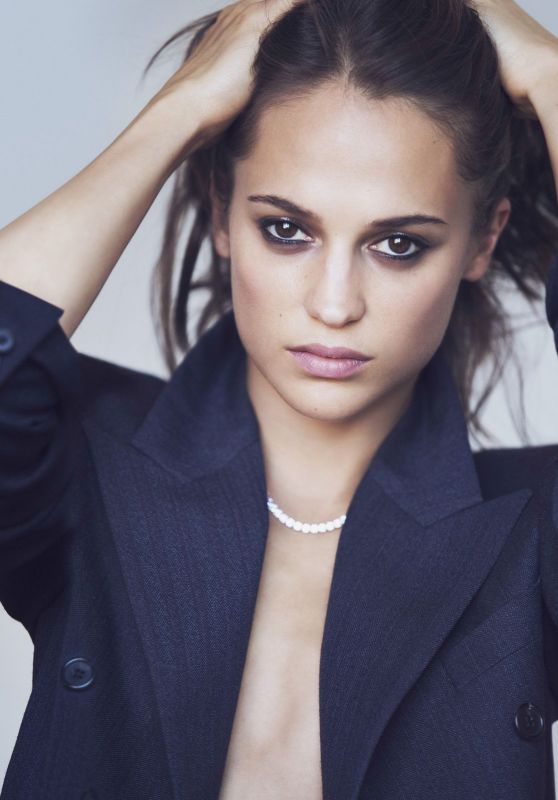 Alicia Vikander - ELLE Magazine US September 2017 Photoshoot