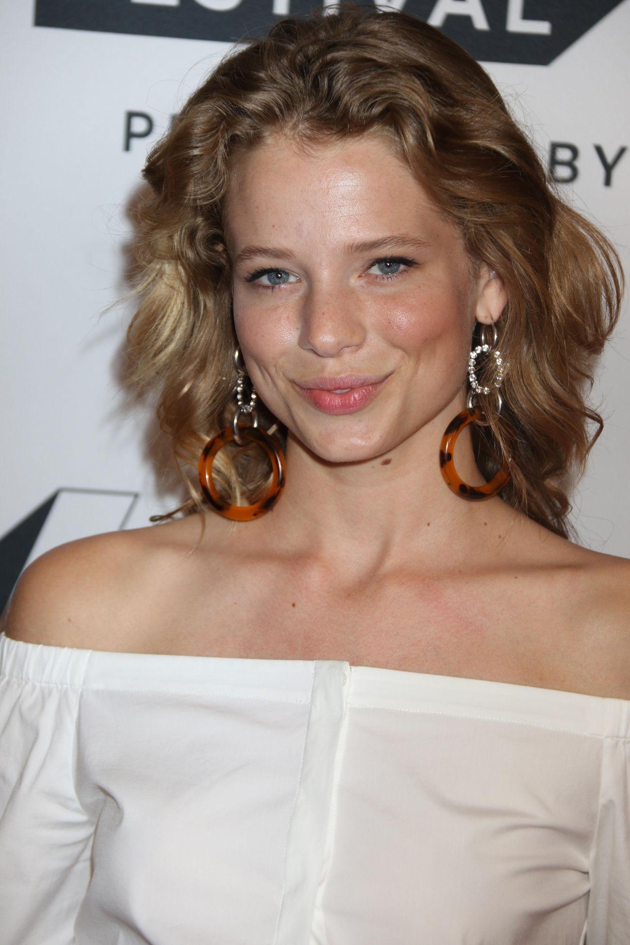 "Allison Lanier – ""Red Oaks"" TV Show Screening, Tribeca TV Festival in NY 09/24/2017"