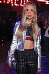 Amelia Windsor – Tommy Hilfiger Fashion Show in London 09/19/2017