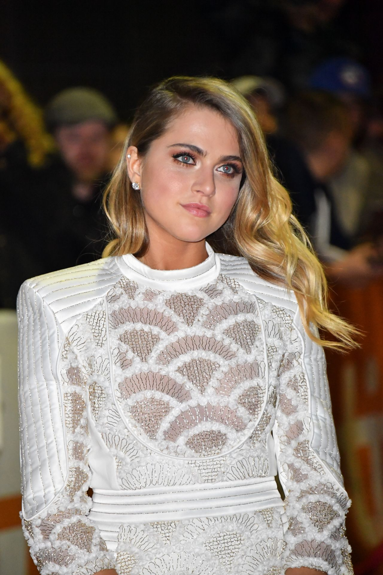 Anne Winters Nude Photos 30