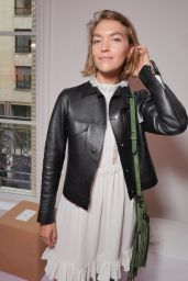 Arizona Muse – Chloe Fashion Show in Paris 09/28/2017