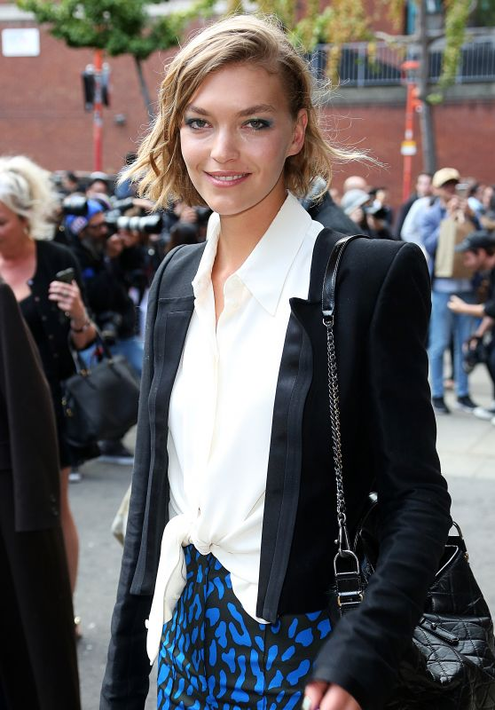 Arizona Muse – Topshop Show in London 09/17/2017